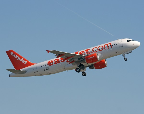 easyJet Expands Fleet With 15 Additional Airbus A320 Aircraf