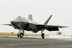 1st F-35C Catapult Launch at NAS Patuxent River