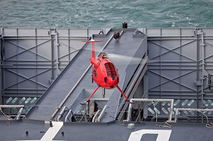 Convincing First Camcopter(r) S-100 Flights Onboard New French Navy Opv L'adroit