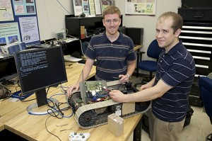 Army researchers link ground robots wirelessly