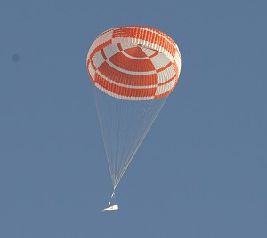 ESA's IXV reentry vehicle prepares for soft landing