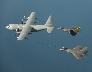 F-35C Completes 1st In-Flight Dual Refueling