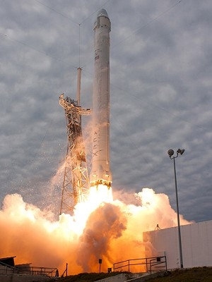 Spacex Achieves 5th Consecutive Falcon 9 Launch During 2nd Official Cargo Resupply Mission
