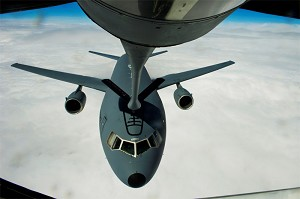 Silent flight makes 'boom' in refueling mission
