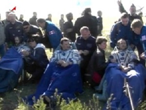 Space Station Expedition 35 Astronauts Land Safely in Kazakhstan, Expedition 36 Begins