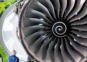 Air France-KLM signs MOU with Rolls-Royce for Trent XWB engines to power up to 50 Airbus A350s