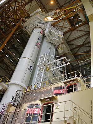 Next Ariane 5 is readied for the transfer to receive its dual-satellite payload