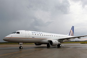 Embraer delivers 1st E-Jet to SkyWest