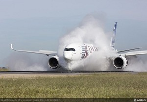 A350 XWB MSN004 successfully undertakes water ingestion tests at Istres