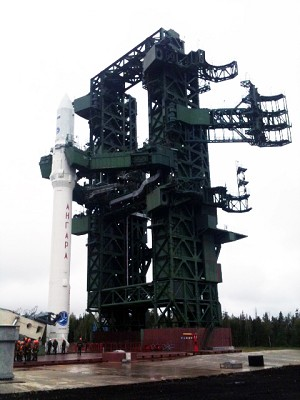 The first Angara LV is on pad at Plesetsk Cosmodrome