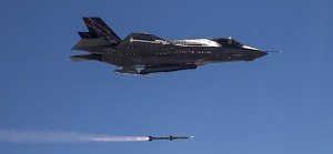 USAF fires 2 AMRAAMs from next-generation fighter