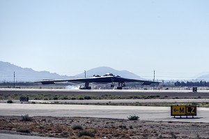 USAF, NGC Celebrate 25th Anniversary of B-2 Stealth Bomber's 1st Flight