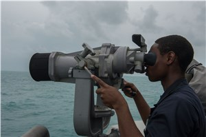USS Fort Worth Joins USS Sampson As 2nd US Navy Ship Assisting With Airasia QZ8501 Search Efforts