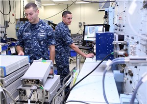 Navy Gears Up to Order Production of 29 Aircraft Diagnostic Systems