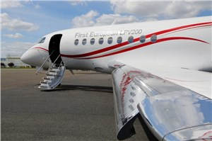 Dassault Falcon 2000LXS is 1st Business Jet to Fly 200 ft Minima Instrument Approach Using Europe's EGNOS LPV200 Service
