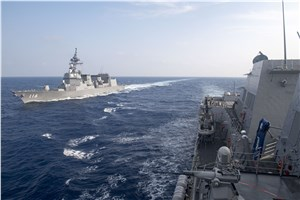 USS Michael Murphy Conducts PASSEX with JS Teruzuki