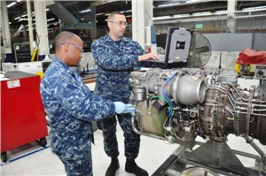 FRCSW Sailors, Artisans Team Up to Service T-700 Engines