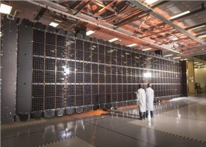 LM Completes 1st Flexible Solar Array for LM 2100 Satellite