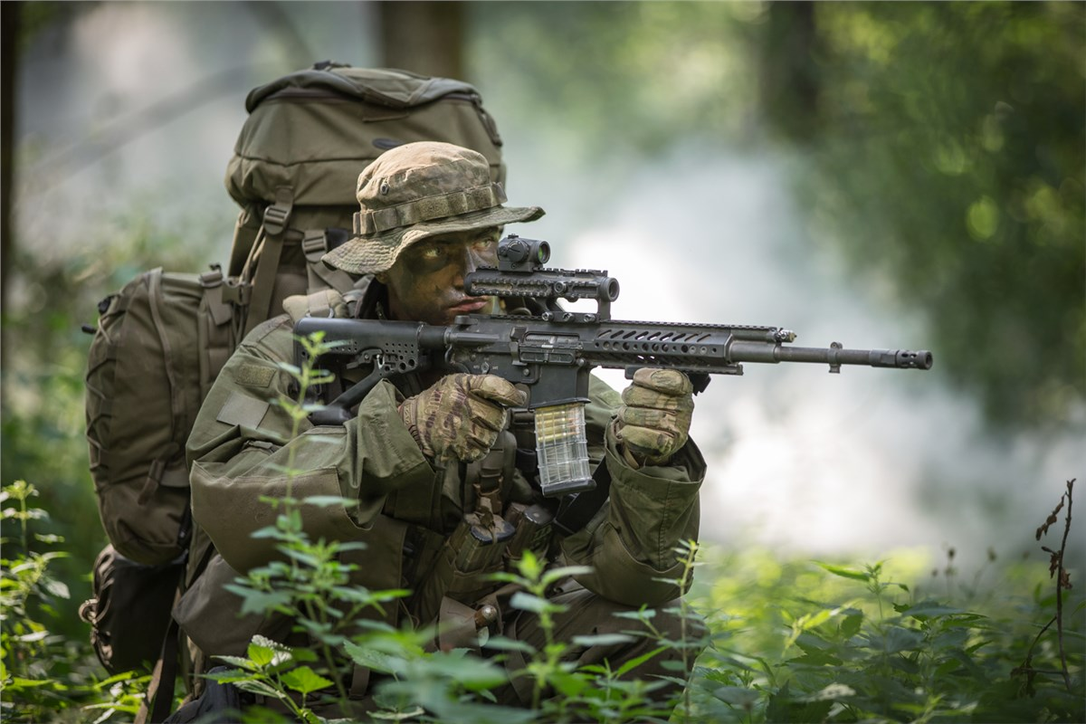 Rheinmetall and Steyr Mannlicher have developed a new RS556 automatic rifle 20