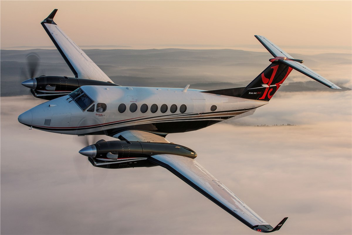Hawker Beechcraft  Global Customer Support  Hawker