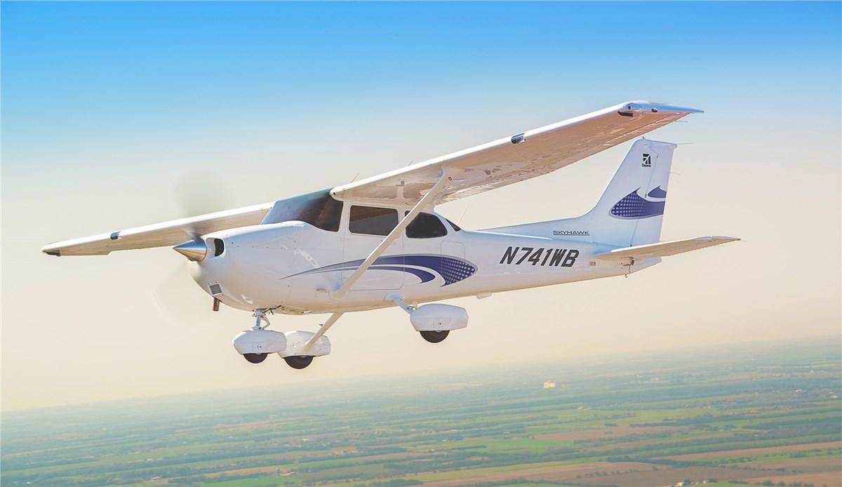 Atp Flight School Grows Fleet Orders 10 Skyhawks From Textr