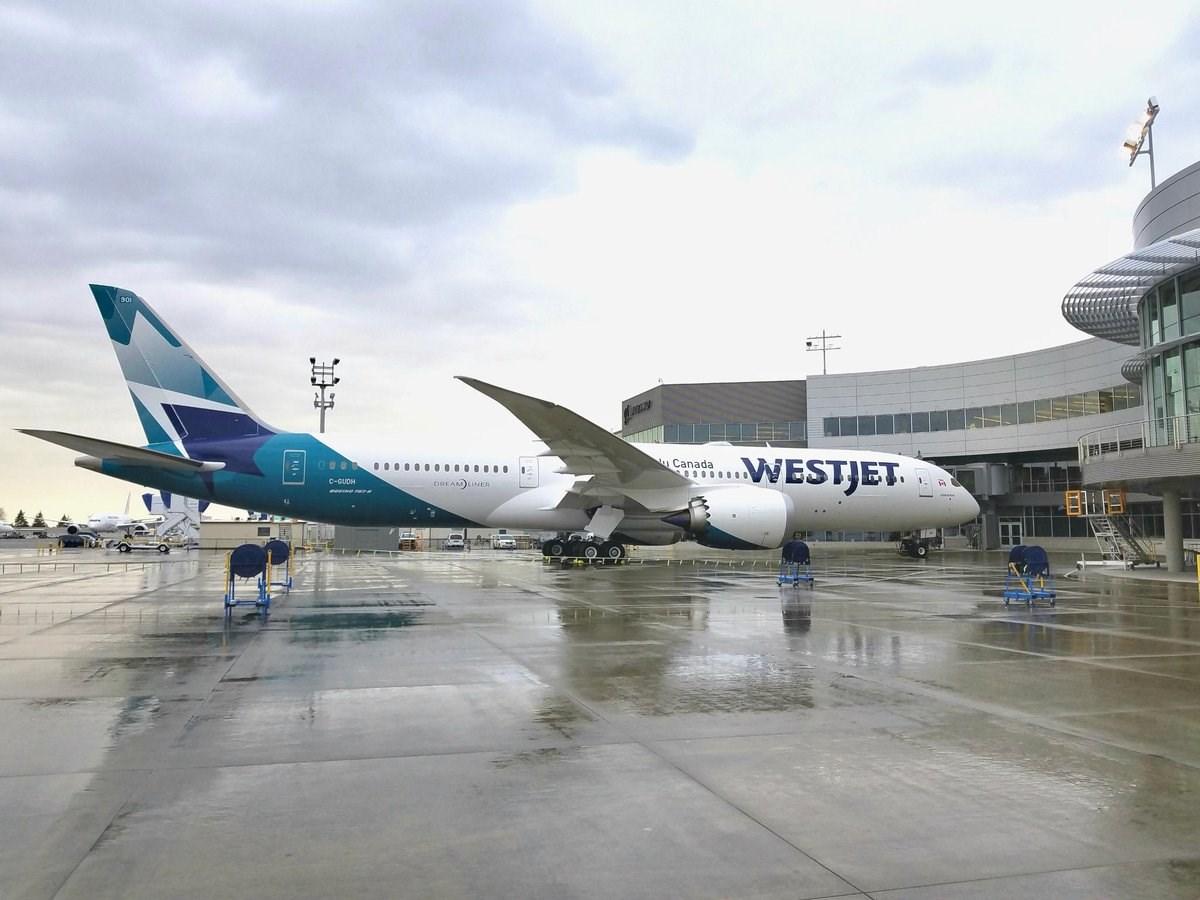 Boeing Delivers 1st 787 Dreamliner for WestJet